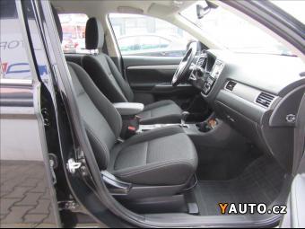 Prodám Mitsubishi Outlander 2.2 Di-D 6AT Intense+
