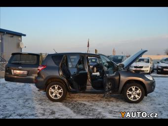 Prodám Toyota Rav4 2,2D-4D*Výhřev*Kůže*6kvalt*Key