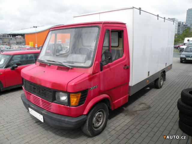 Prod m mercedes benz sprinter 307d gril na ku ata prodej for Mercedes benz na