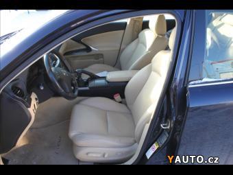 Prodám Lexus IS 220 2,2 D NAVIGACE