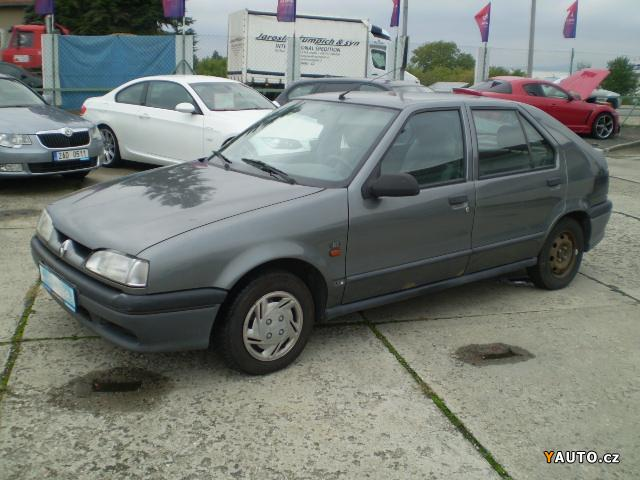 prod m renault r19 1 9 d prodej renault r19 osobn auta