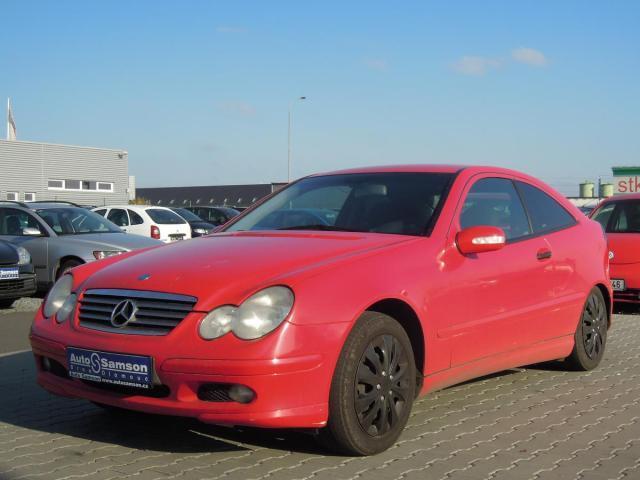 Prodám Mercedes-Benz Třídy C C 180 Kompressor *ESP*
