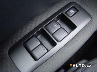 Prodám Nissan Qashqai 2.0 dCi 4x4, ČR, 2. MAJITEL, S
