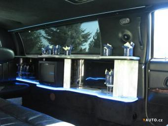Prodám Lincoln Town Car 4, 7l, 8, 7m stretch limo