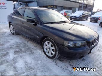 Prodám Volvo S60 2,4 Auto AC, servisní knážka