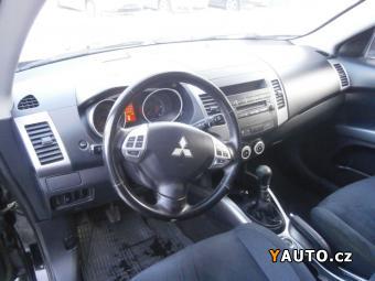 Prodám Mitsubishi Outlander 2,0 Di-D 4x4 Zadáno S. Kniha