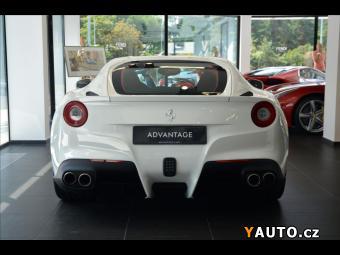 Prodám Ferrari F12 Berlinetta 6,3 SKLADEM