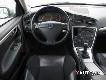 Prodám Volvo S60 D5 Momentum - REZERVACE