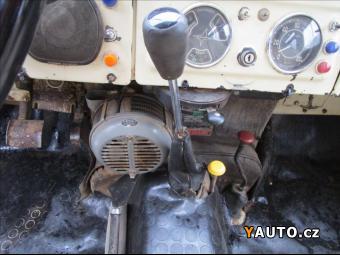 Prodám Land Rover Defender 2,3 88 Serie II, výroba Santa