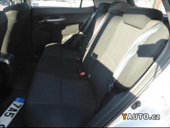 Prodám Toyota Auris 1,6 VVT-i