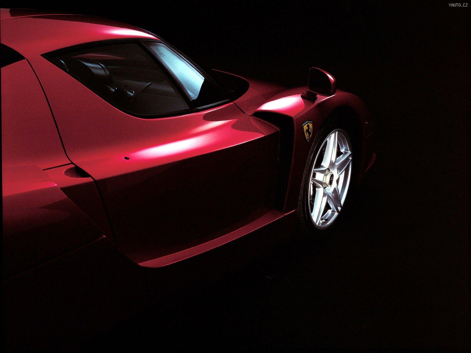 Черный спортивный автомобиль Ferrari Enzo  № 2892491 бесплатно