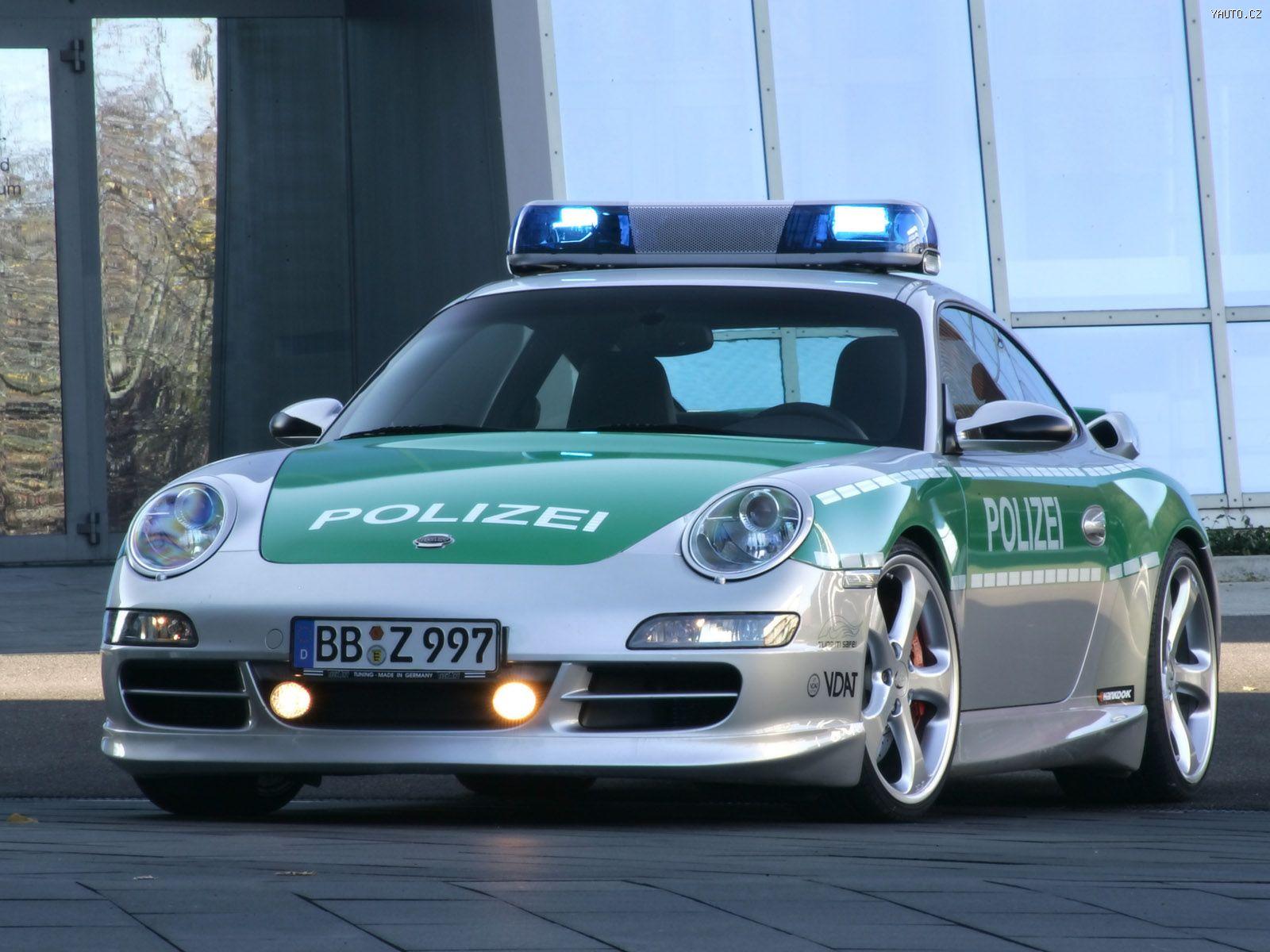 http://img.yauto.cz/tapety/Porsche_911_Carrera_pro_nemeckou_policii_2005_2.jpg