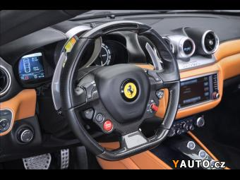 Prodám Ferrari California T, LED-karbon volant, 7 let se