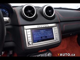 Prodám Ferrari California 1. majitel, LED-karbon volant