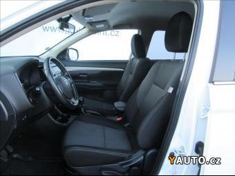 Prodám Mitsubishi Outlander 2.2 Di-D Intense 4WD 6MT