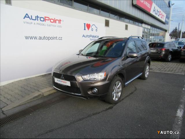 Prodám Mitsubishi Outlander 2.2 Di-D Intense+ 4WD