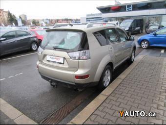 Prodám Mitsubishi Outlander 2,0 Di-D Intense 4WD