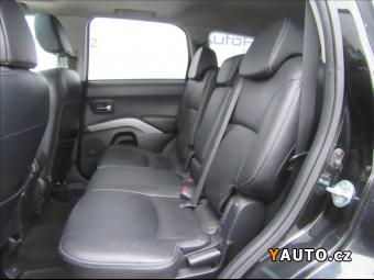 Prodám Mitsubishi Outlander 2,2 Di-D Instyle 4WD
