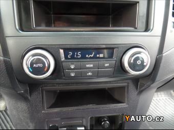 Prodám Mitsubishi Pajero 3,2 DI-D led+nášlapy. manual