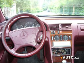 Prodám Mercedes-Benz Třídy C 2,0 C 200 Elegance