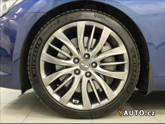 Prodám Hyundai Genesis 3,8 GDI V6 H-TRAC Exclusive, 4