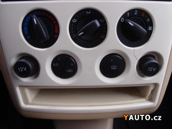 Prodám Ford Tourneo Connect 1.8TDCi 66kW KLIMATIZACE