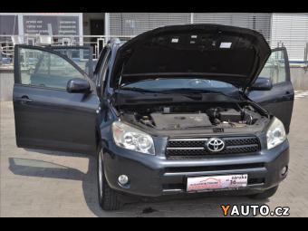 Prodám Toyota Rav4 2,2D-4D*1. Maj*Serviska*6kvalt*