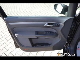 Prodám Volkswagen Touran 1,6TDI DSG*Serviska*Tempomat*