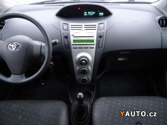 Prodám Toyota Yaris 1.3i REZERVOVÁNO