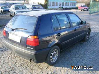 Prodám Volkswagen Golf 1,6 GL