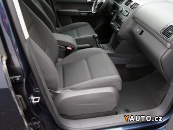 Prodám Volkswagen Touran 1.4 TSi, Serv. kniha, ČR