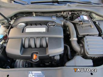 Prodám Volkswagen Jetta 1.6, 2. maj, Serv. kniha, ČR