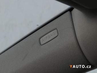 Prodám Volkswagen Golf 1.6, Serv. kniha