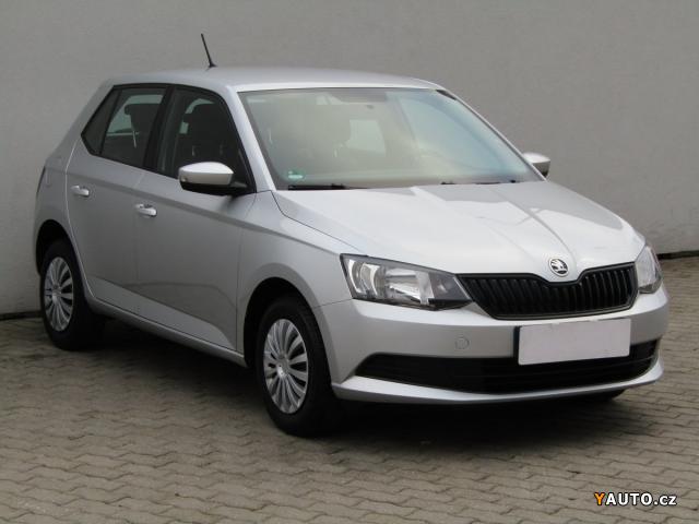 Prodám Škoda Fabia III 1.0i, Serv. kniha