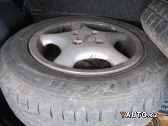Prodám Toyota Yaris 1.0 i