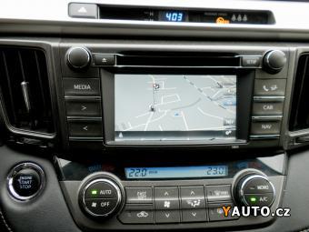 Prodám Toyota RAV4 4x4 KŮŽE NAVI DPH