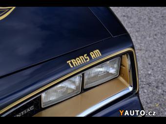 Prodám Pontiac TRANS AM Y82