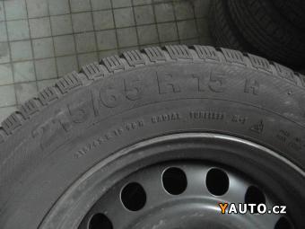 Prodám Fiat 15&quot, zimní pneu 215, 65, 15