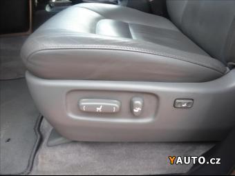 Prodám Toyota Land Cruiser 4,5 V8 200 Lux
