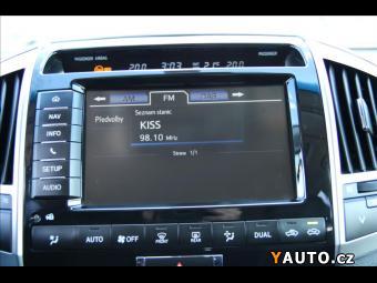 Prodám Toyota Land Cruiser 4,5 V8 LC200 Lux+
