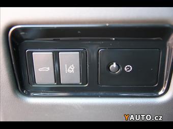 Prodám Jaguar XE 2,0 D R-Sport