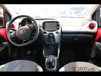 Prodám Toyota Aygo 1,0 VVTi x play + Style + Con