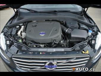Prodám Volvo XC60 2,0 D4 133kW Momentum*Navi*PDC