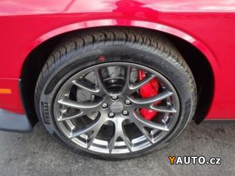 Prodám Dodge Challenger SRT 392