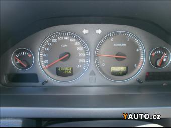 Prodám Volvo XC90 2,4 D5 AWD AUT 7-MÍST
