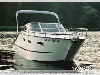 Prodám Ford Excursion 6,0 TD V8 + kajutový mot. člun
