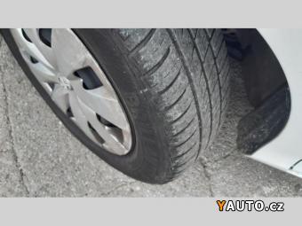 Prodám Toyota Yaris 1.0i klima CZ