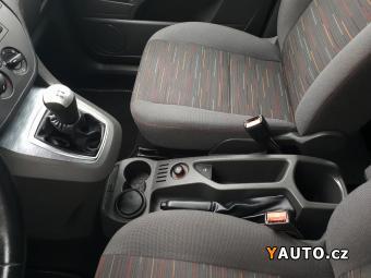 Prodám Ford C-MAX 1,6i TEMPOMAT, ESP, STK