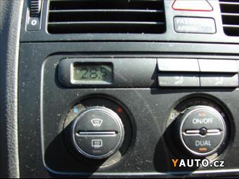 Prodám Volkswagen Touran 2,0 TDI, CLIMATRONIC, TAŽNÉ