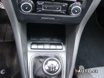 Prodám Volkswagen Golf 1.4i (59 kw) serviska